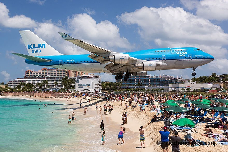 EXTREME PLANE LANDINGS AT MAHO BEACH – SAINT MARTIN