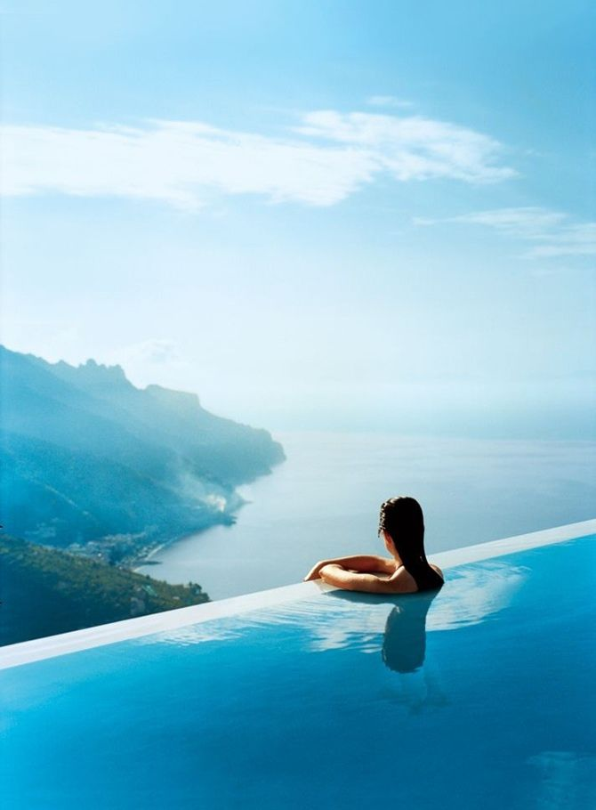 6 Infinity Pools You\'d Rather be swimming in tropical seaside ...